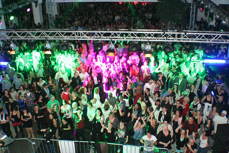 Single party aalen
